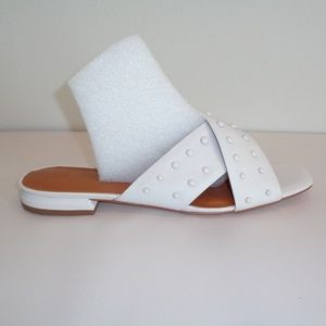 Halston Size 10 M NORA White Leather Sandals